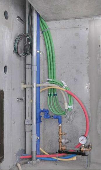 最新マンションの給水管路に採用された高密度ポリエチレンパイプ