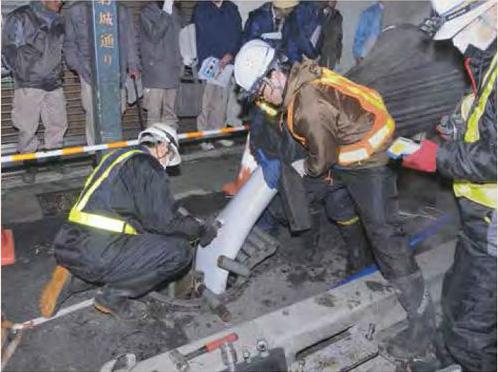 小田原駅前の老朽化した下水道管路を更新するEX工法